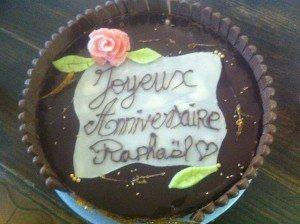 Royal au chocolat  Tour en fingers décoration en pate d'amande